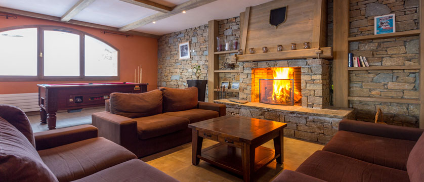 France_LaPlagne_Sun-valley-apartments_Reception-lounge.jpg
